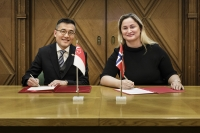 Maritime and Port Authority of Singapore chief executive Andrew Tan, and Norway's State Secretary, Dilek Ayahn