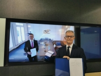 Pictured are Christian Rychly (on screen; left), Managing Director of MPC Capital – in Hamburg, and Carl Schou, CEO & President of Wilhelmsen Ship Management – in Singapore, taken during an online signing ceremony to formalise the partnership. Image courtesy of MPC Capital AG.