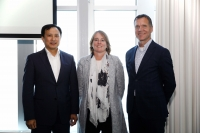 (l-r) Sanghun Lee, Samsung SDS; Daphne de Kluis, ABN AMRO; and Paul Smits, Port of Rotterdam Authority